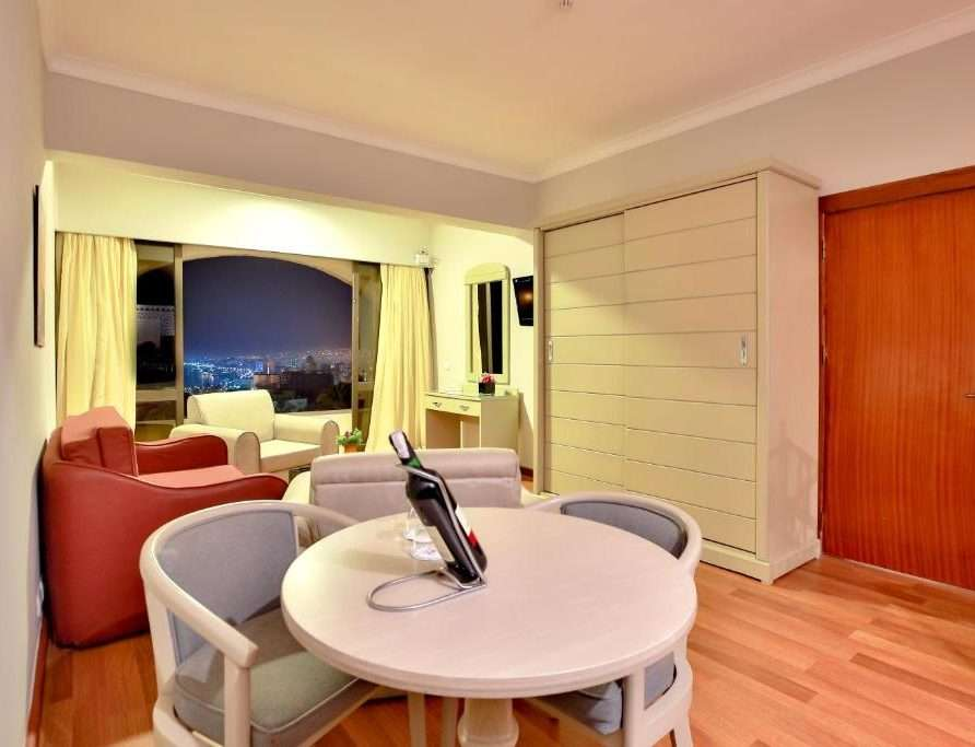 River Suite With Kitchenette